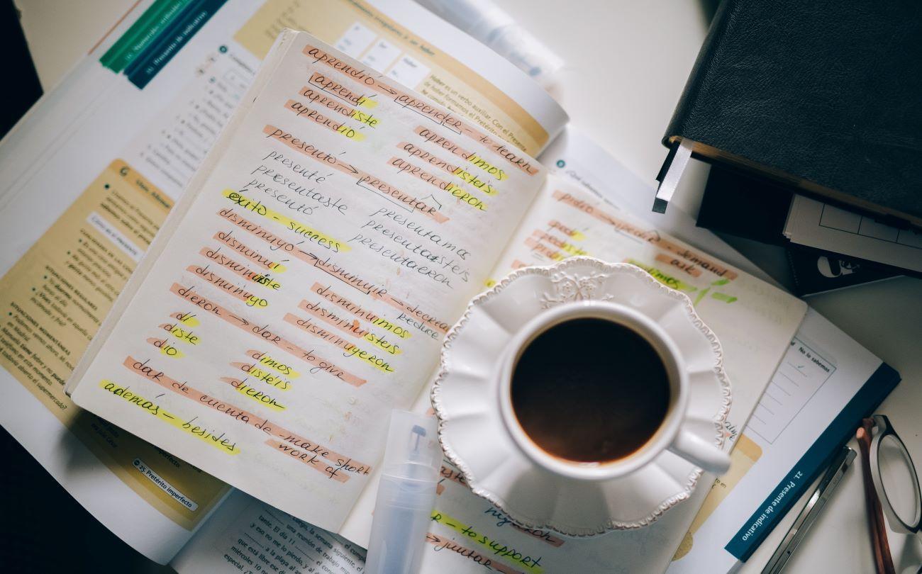 Ismert keretek, új dimenziók: Miben segít a jól megválasztott nyelvkönyv?
