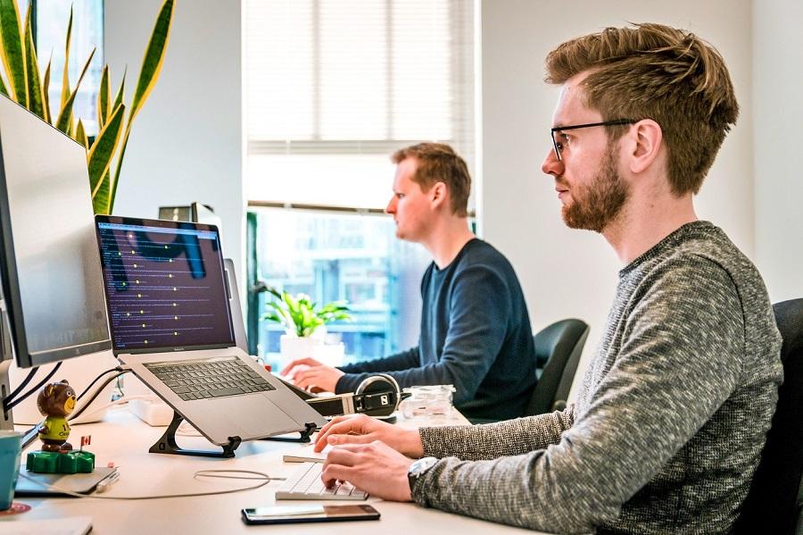 Fejlesztők teljesítménymérése hagyományos módszerekkel? Nem fog menni!