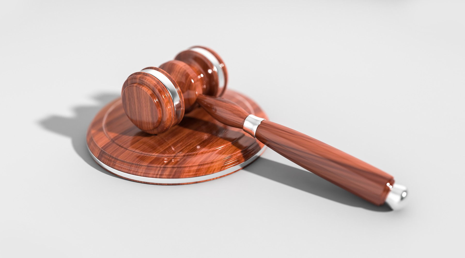 Hazai bíróságok: ki dönti el, hogy kinek van igaza?
