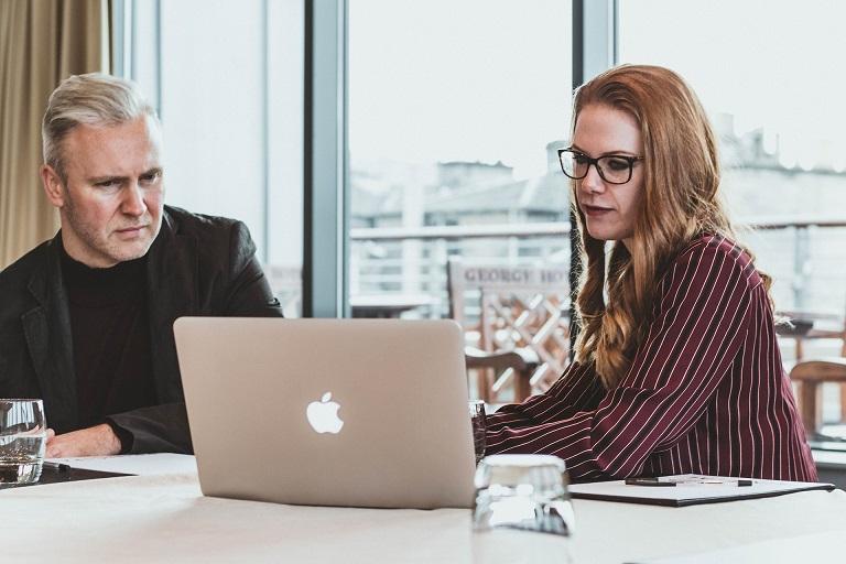Átállás a virtuális képzésre: Utazás a konferenciateremből az otthoni irodába