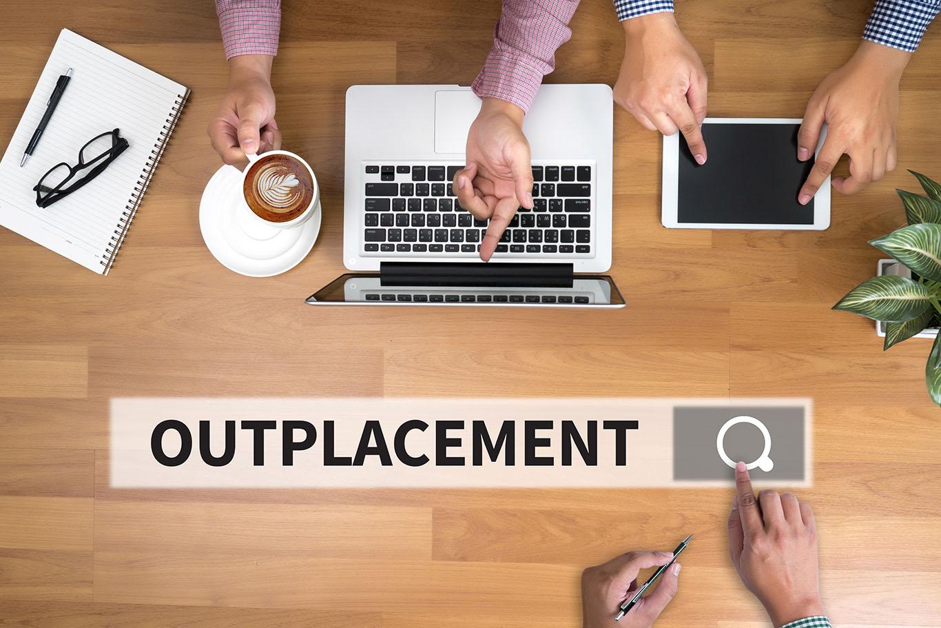 Outplacement a gyakorlatban – hogyan támogattuk egy 150 fős SSC részleg leépítését?