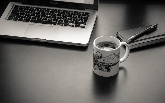 otthoni munka bizalom internetes jövedelem mi történik