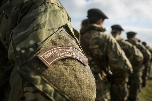 önéletrajz honvédséghez Tartalékos katonák lehetnek az elbocsátott közszolgálati dolgozókból önéletrajz honvédséghez